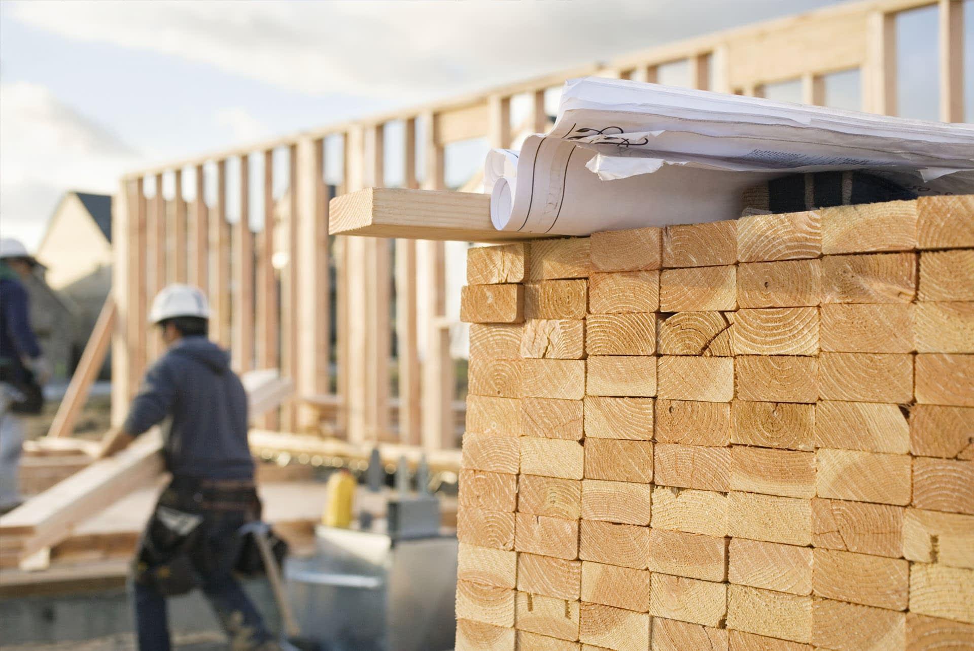 cls-canadian-lumber-standard-timber-treated-studwork-c16-alternative-outdoors-worker-pallet