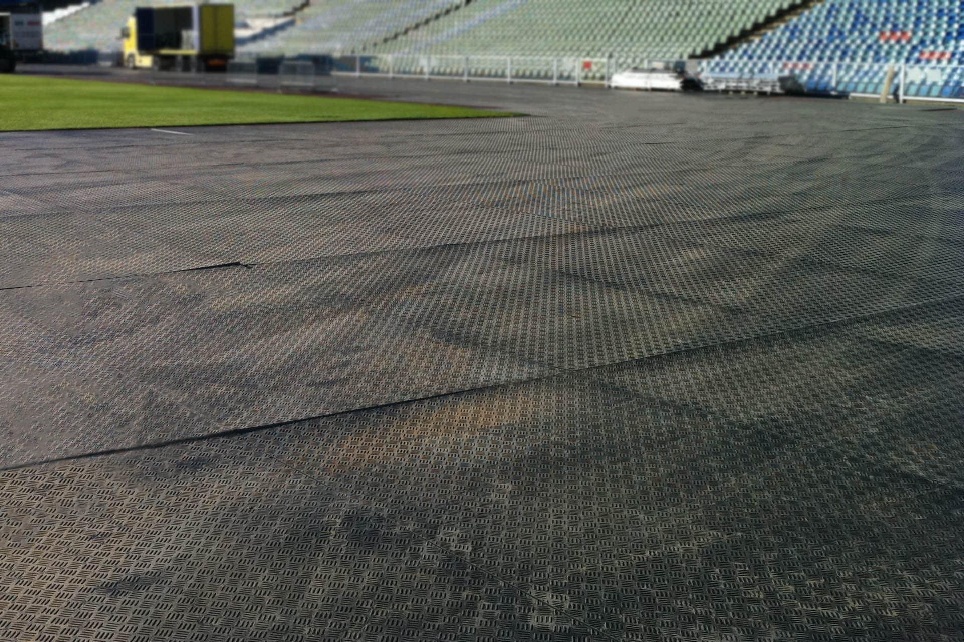 Duramatt Lite ground protection mats at event - composite alternatives