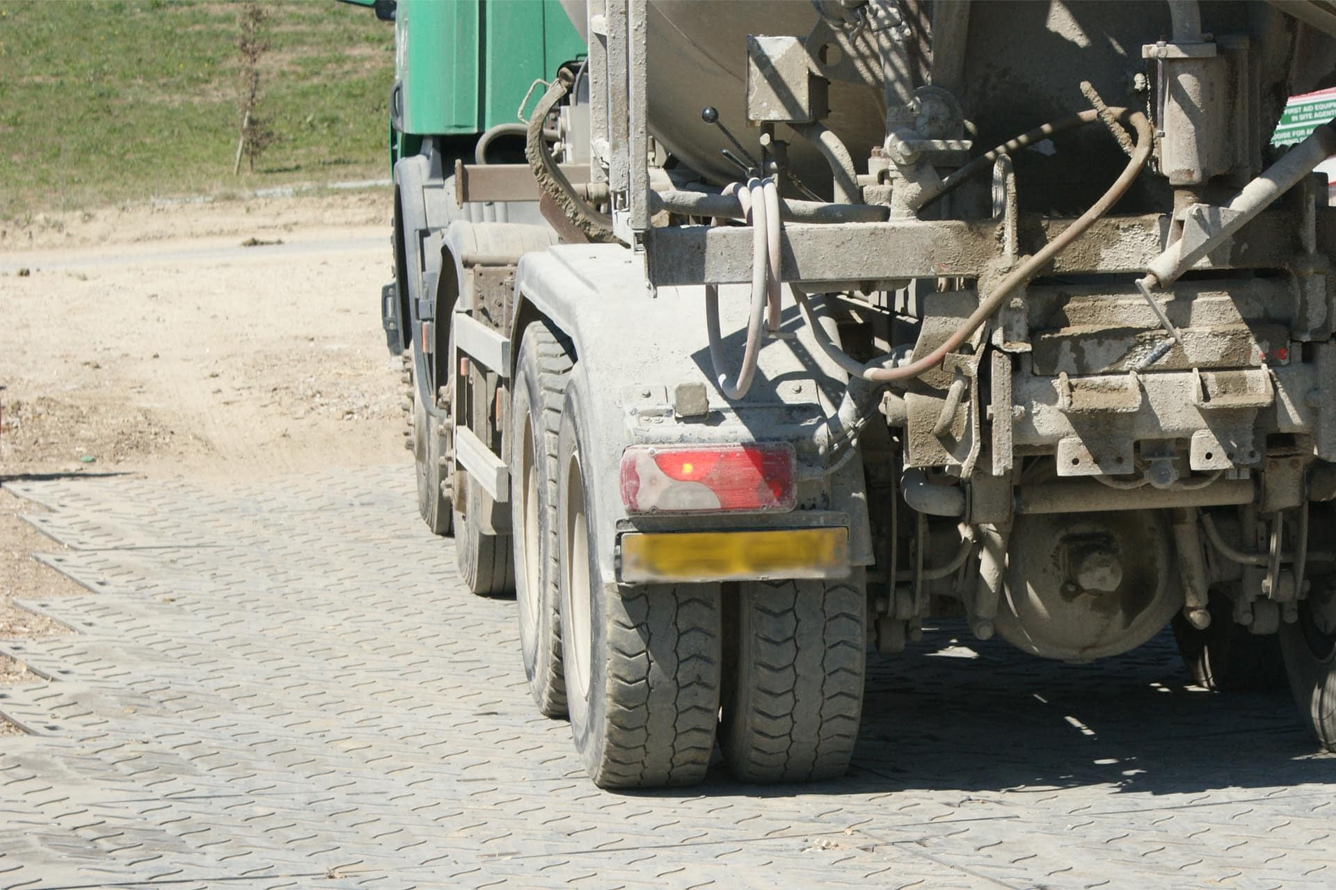 eurotrak-hd-access-mat-ground-protection-temporary-access-in-use-lorry-spoilboard