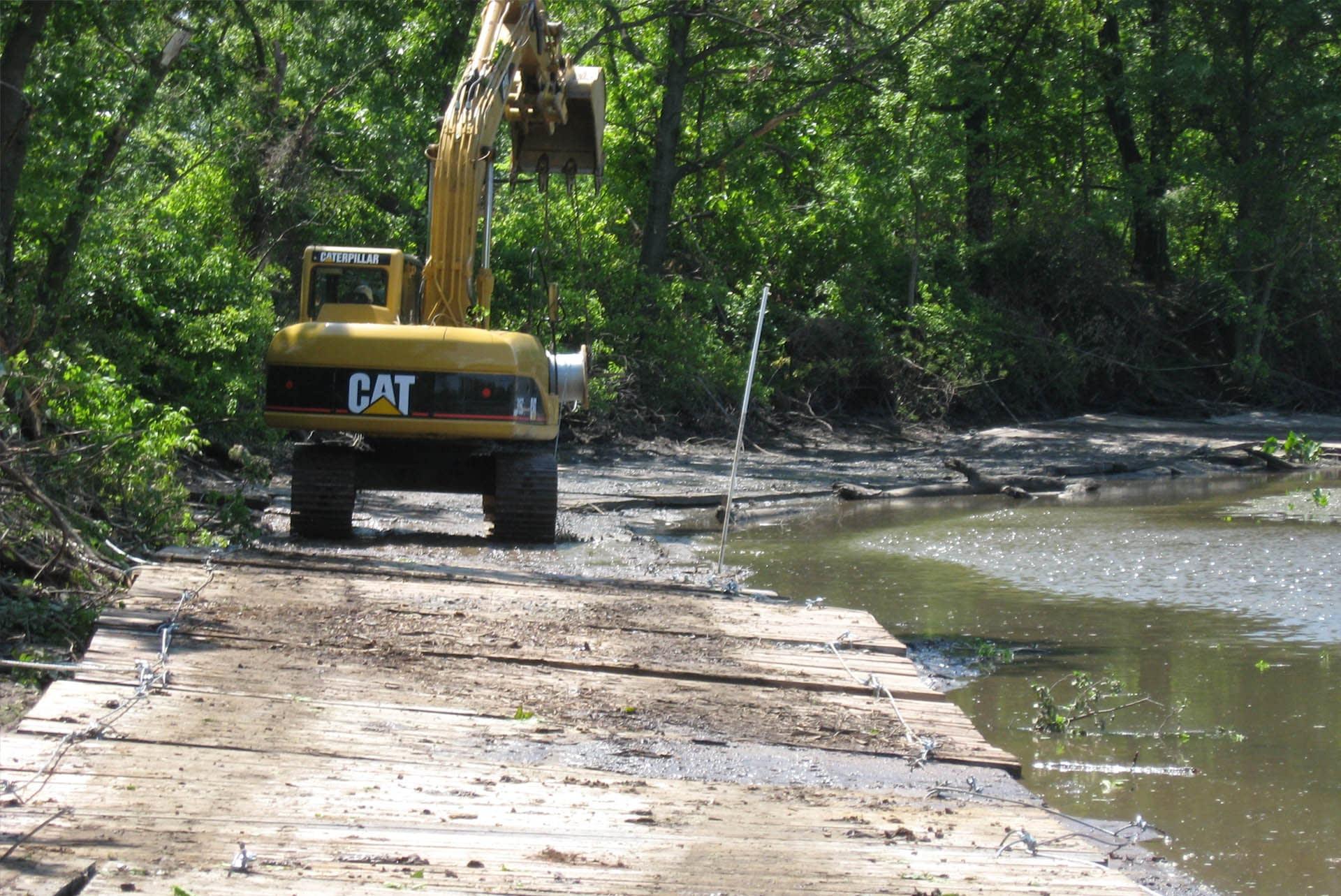hardwood-timber-bog-mats-timber-machinery-heavy-load