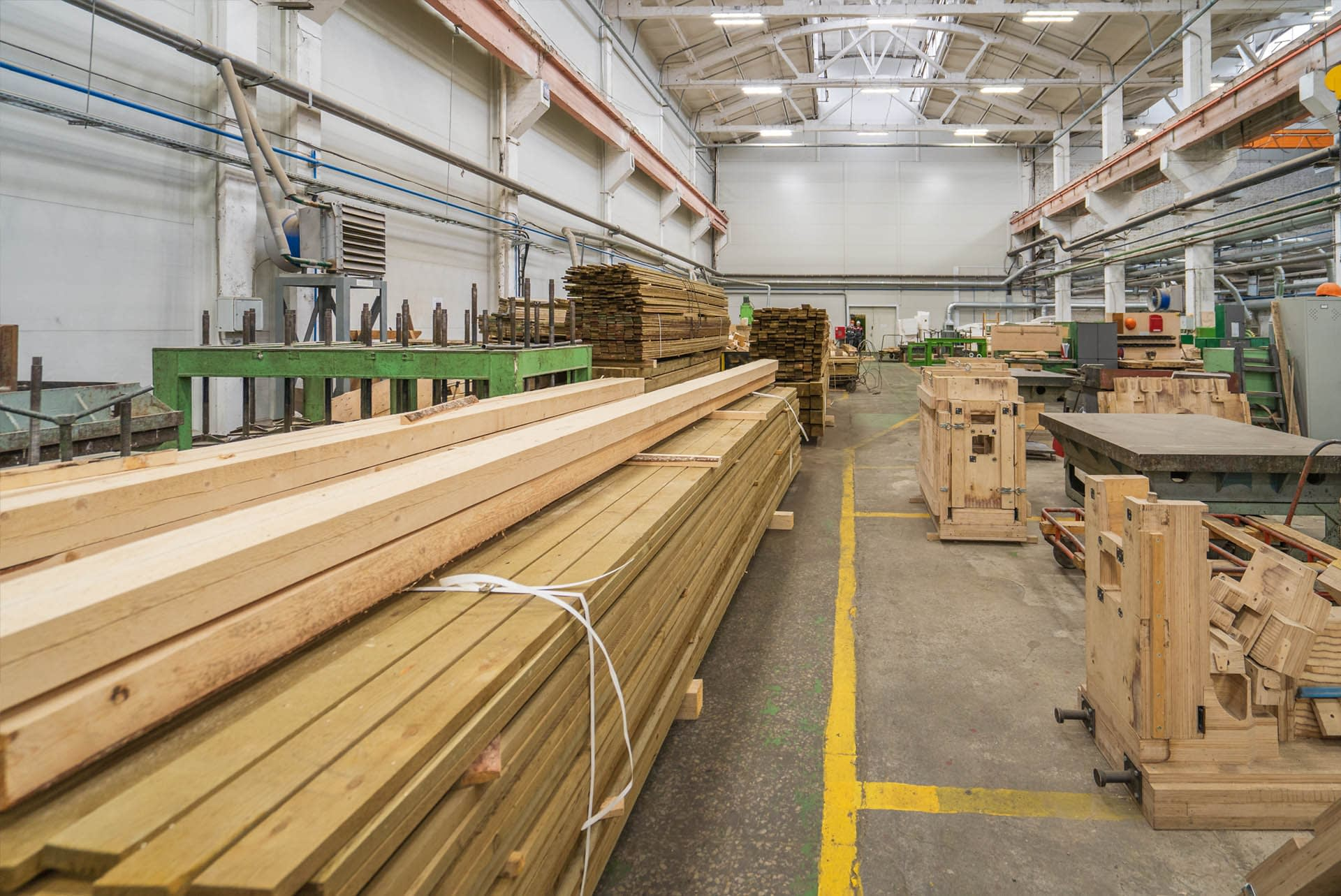 oversized-and-specialist-timber-cut-to-size-palletised-in-yard