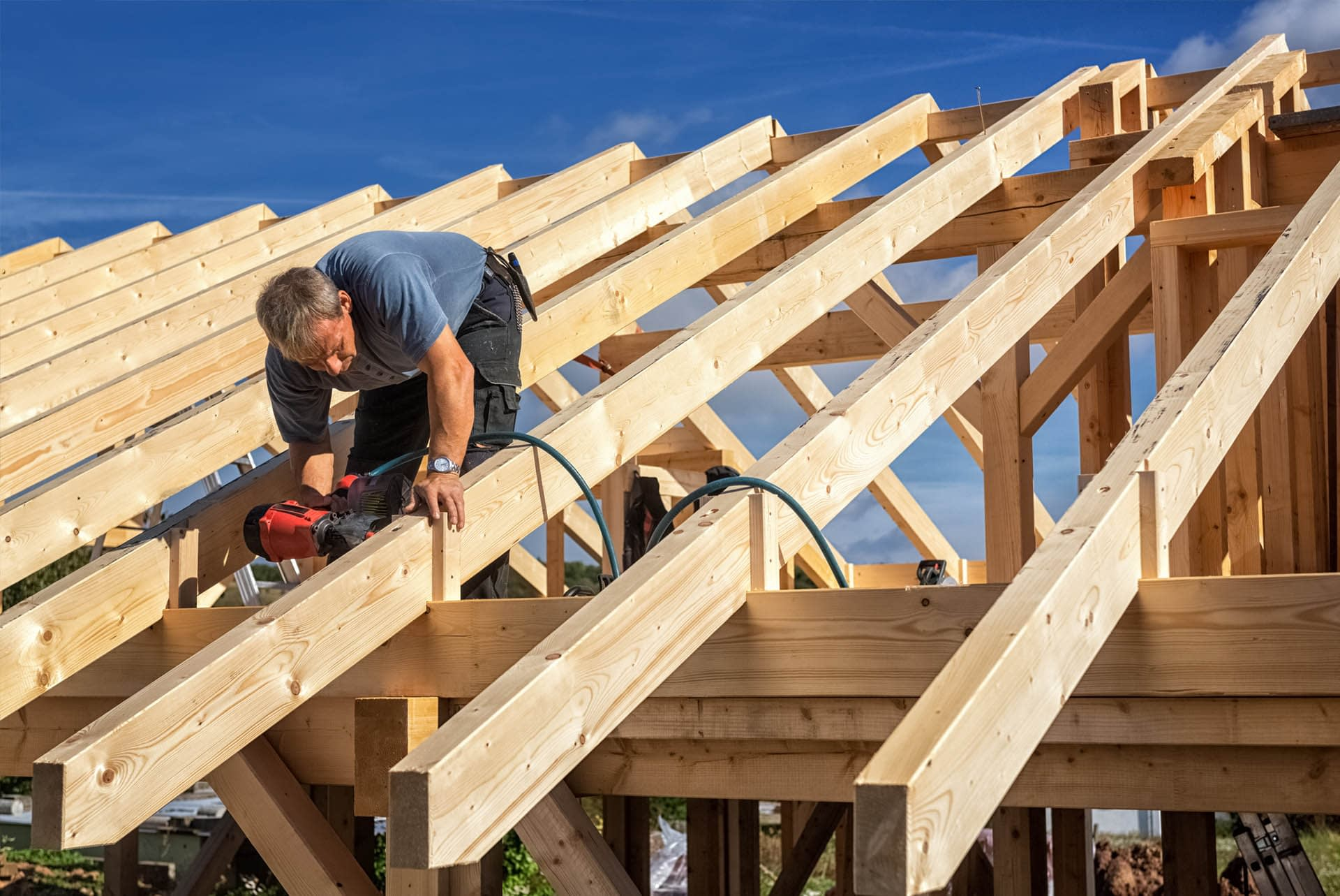 oversized-and-specialist-timber-cut-to-size-roof-installation