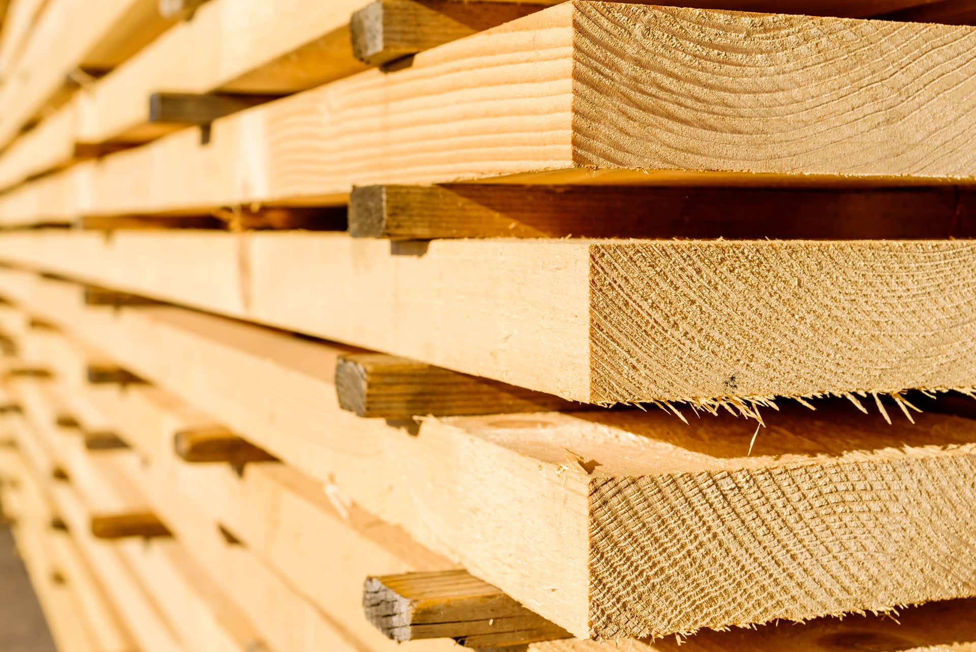 sawn-and-treated-timber-rough-sawn-palletised