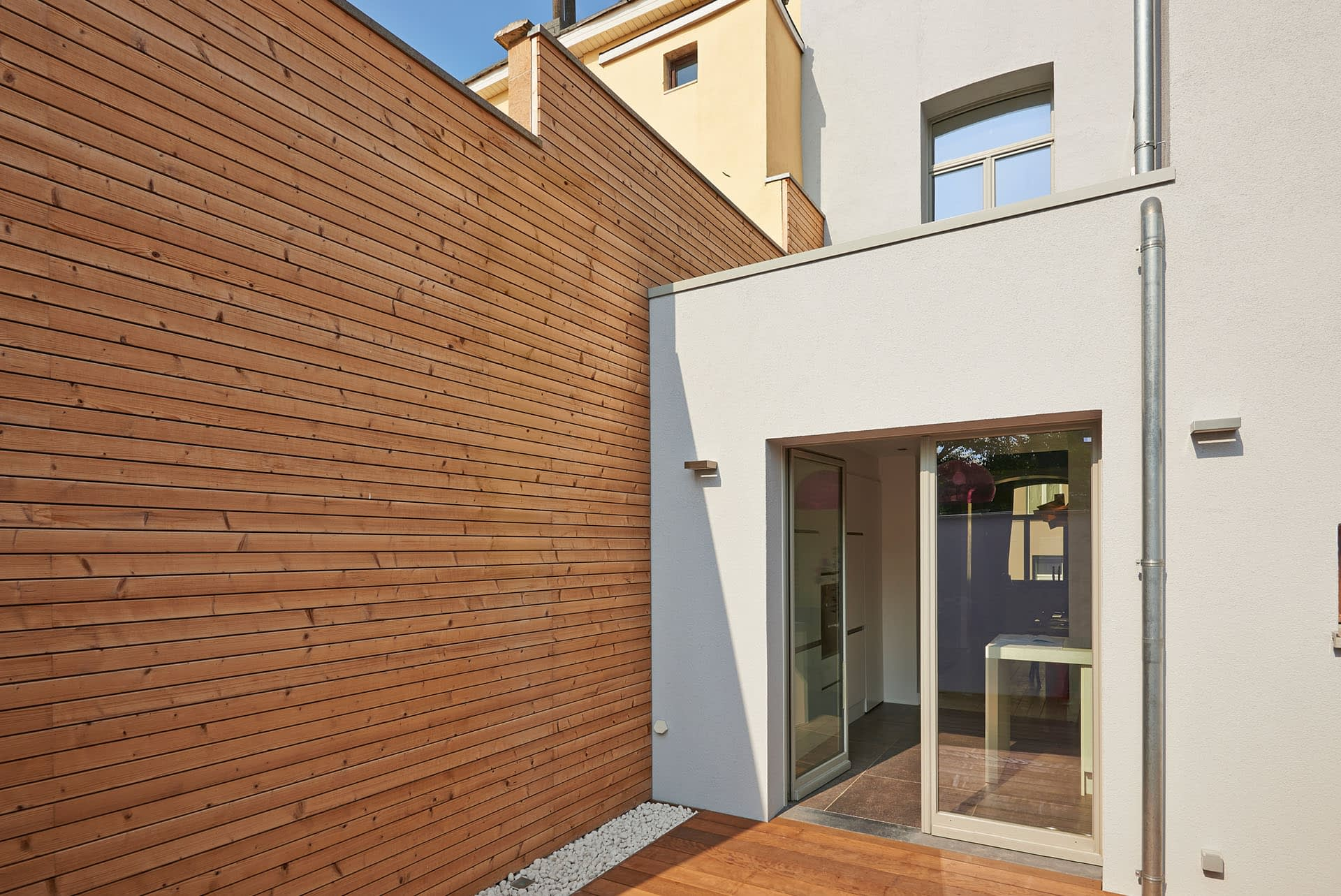 timber-cladding-weatherboards-external-sheet-material-exterior-wall-design-horizontal