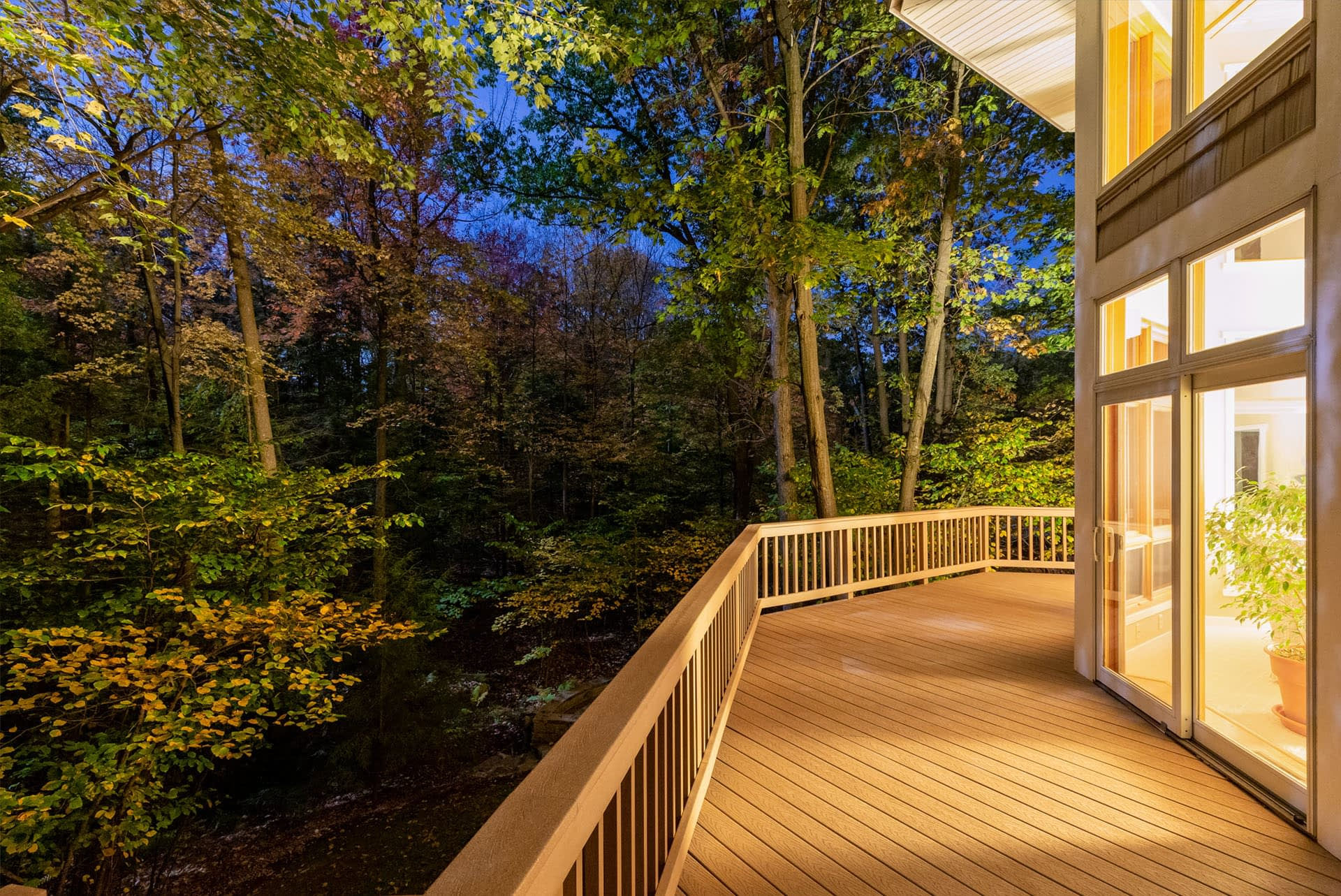 timber-decking-wooden-deck-boards-hardwood-pressure-treated-smooth-terrace