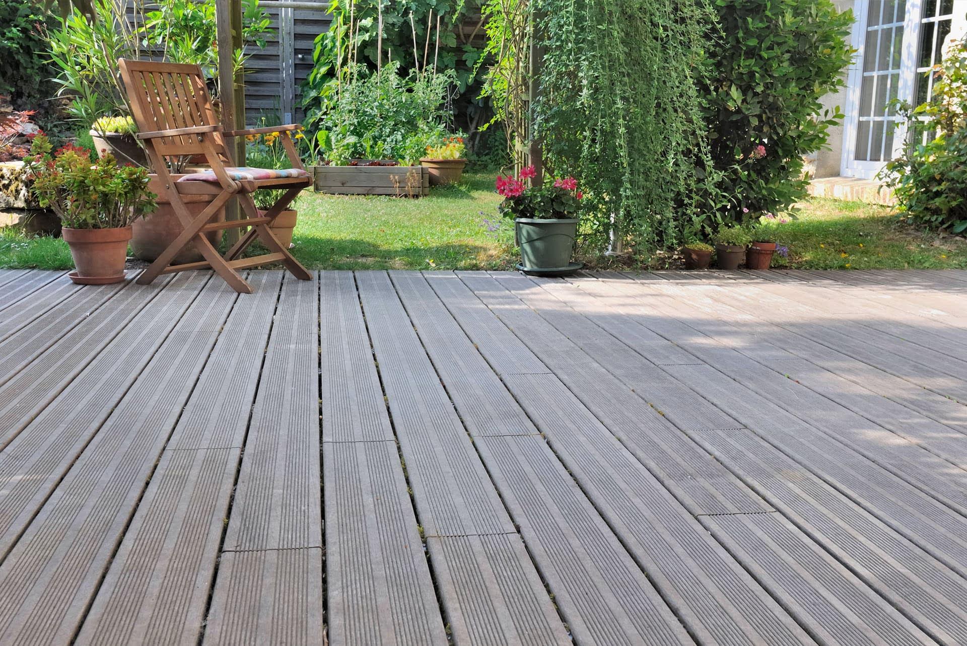 timber-decking-wooden-deck-boards-natural-grey-garden-patio