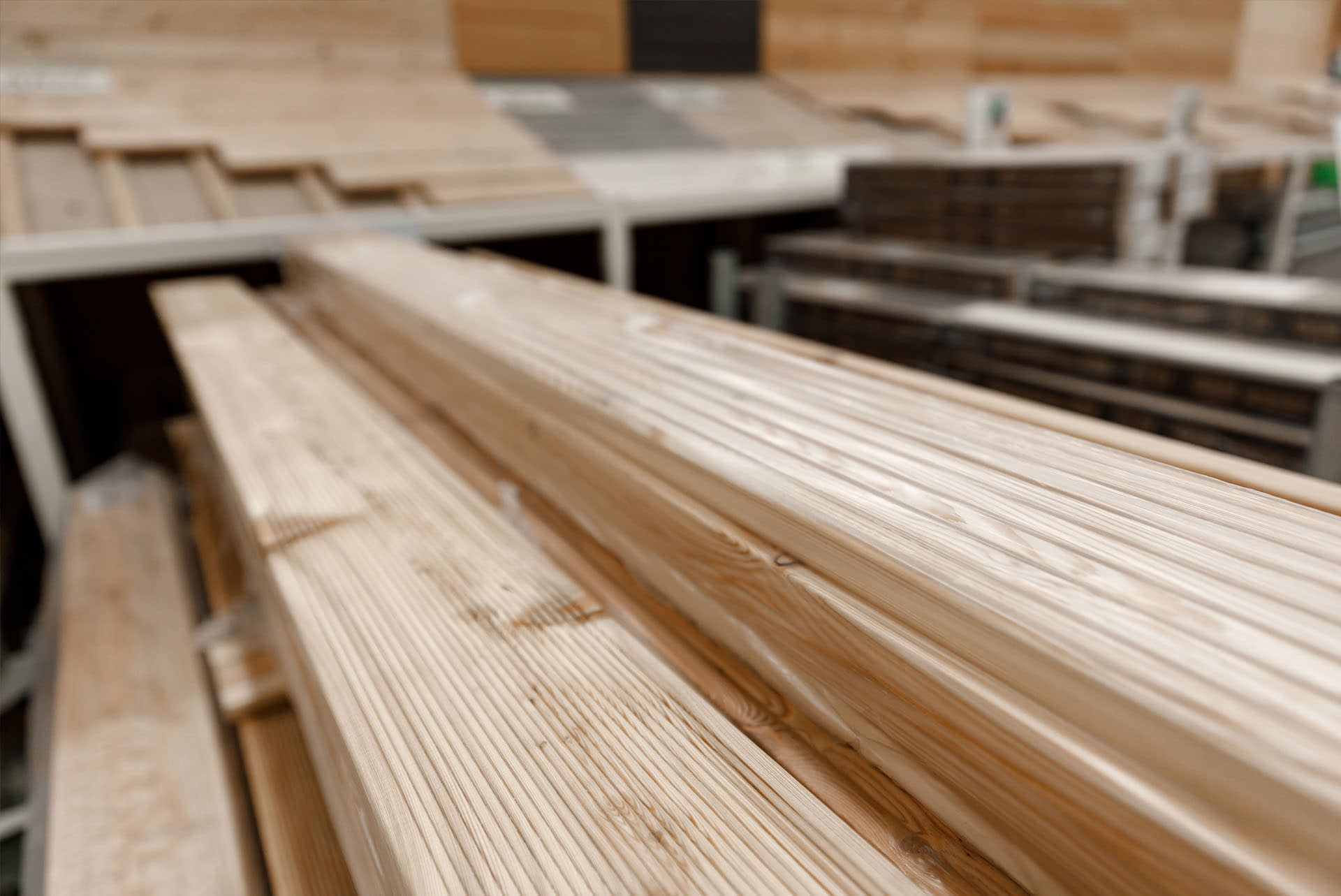 timber-decking-wooden-deck-boards-natural-softwood-nonslip-palletised